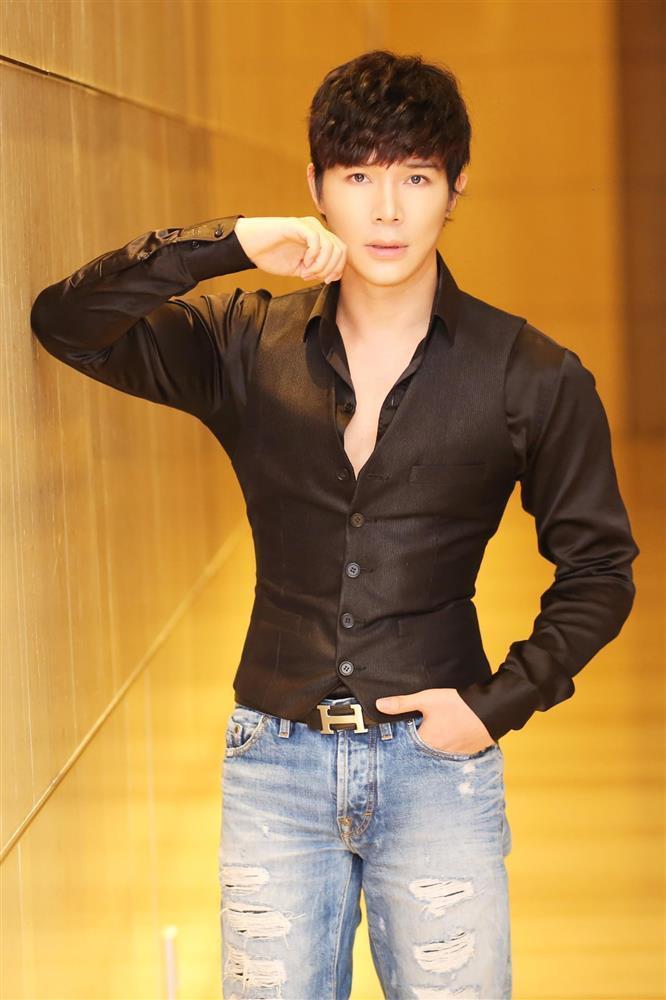Clip Thủy Tiên hát Giấc Mơ Tuyết Trắng trước khi bị Nathan Lee vợt-2