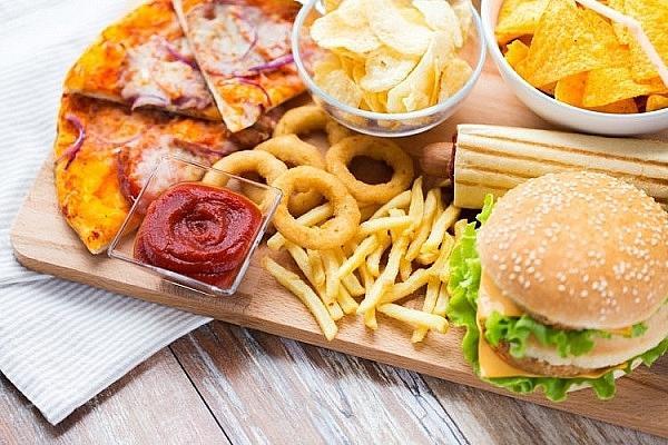 4 thực phẩm cực hại não nhiều người vẫn nghiện ăn hàng ngày-2