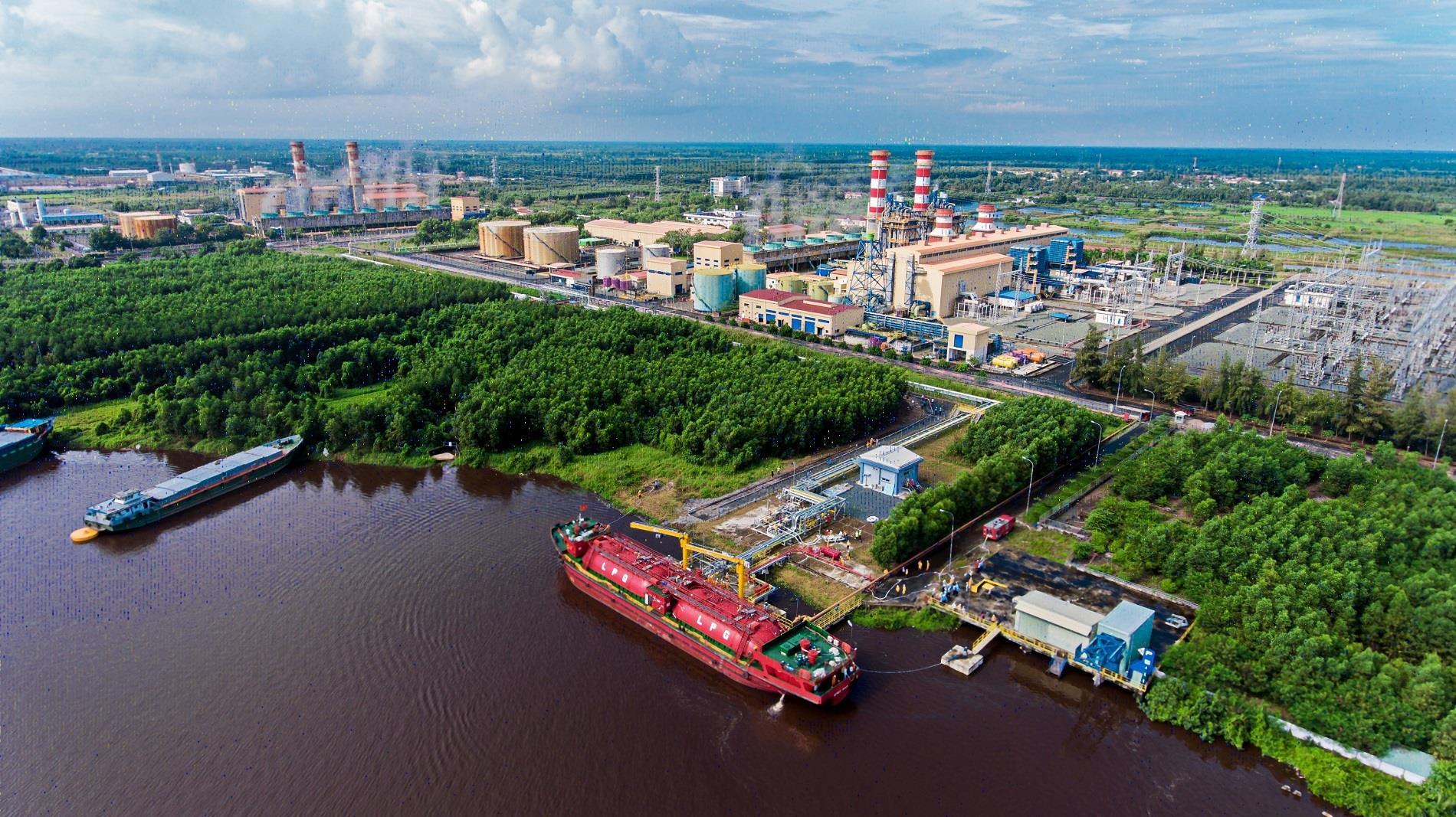 Tỉnh Cà Mau kiến nghị tăng cường huy động điện từ nhà máy điện Cà Mau 1&2 - 1