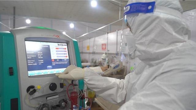 Bệnh viện dã chiến đa tầng Tân Bình - hiệu quả trong việc giành giật sự sống cho người bệnh COVID-19 - Ảnh 2.