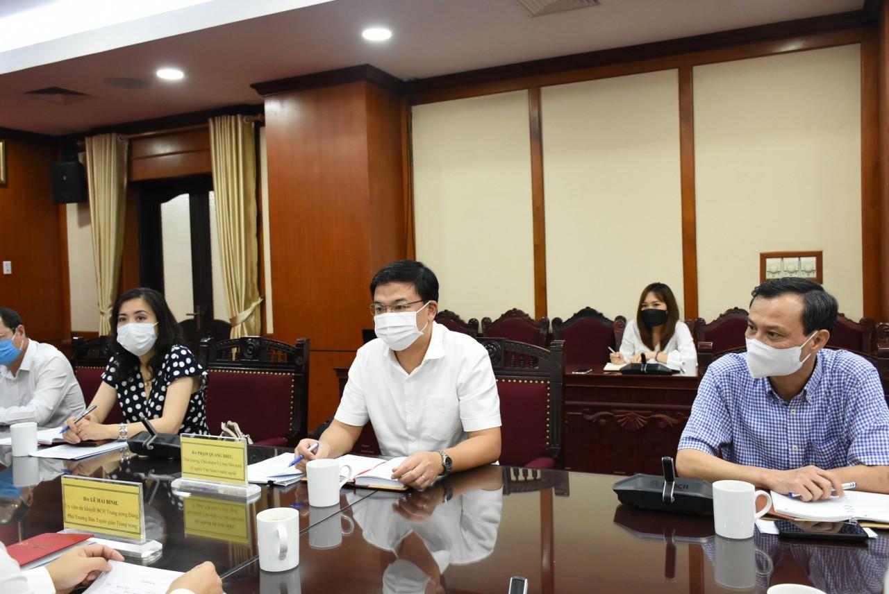 Triển khai công tác thông tin đối ngoại đối với người Việt Nam ở nước ngoài