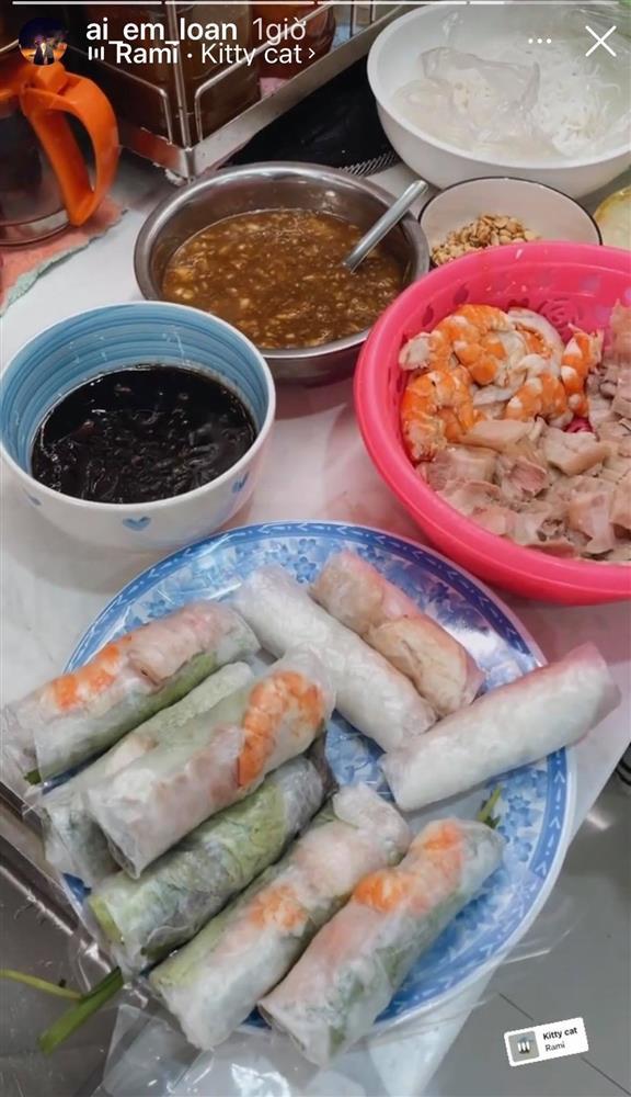 Bà bầu quý tộc Lê Loan ở cữ nhưng ăn uống cực thoải mái, có món khiến ai cũng giật mình-4