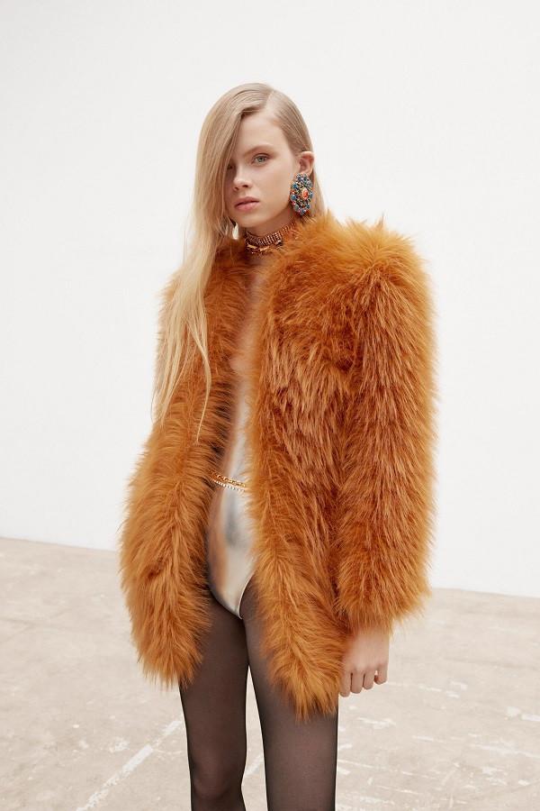 6 chiếc áo khoác nổi bật bạn sẽ thấy trong mùa thu đông tới - 4