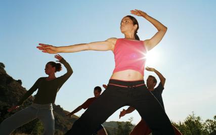 5 bài tập siêu đơn giản giúp cơ thể thăng bằng, khỏe mạnh