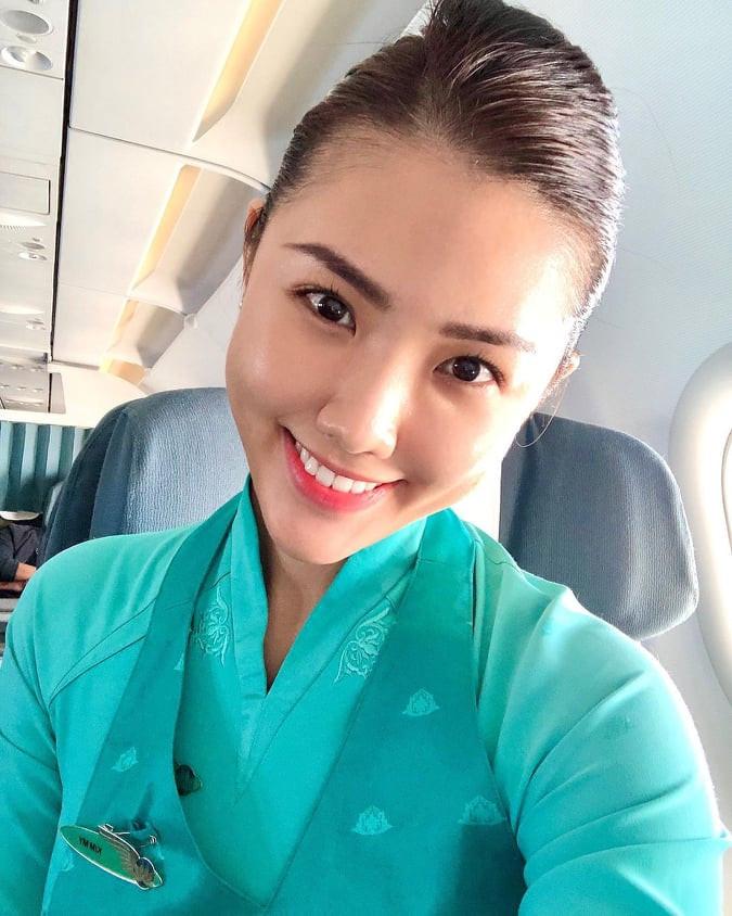 Tiếp viên hàng không Việt Nam Airlines mặc táo bạo khi rời đồng phục bay - 3