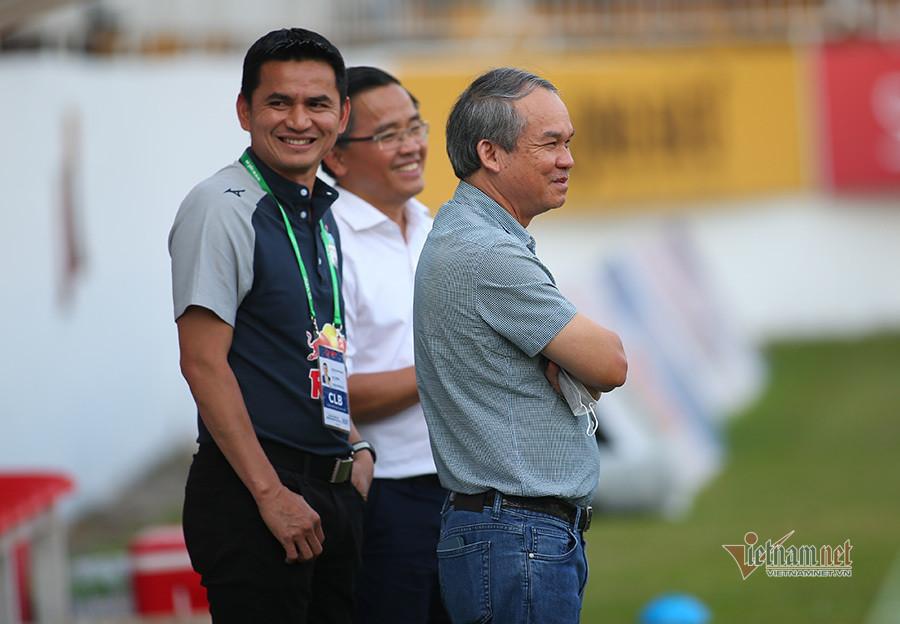 Yêu bầu Đức, Kiatisuk nói lời 'cay đắng' với tuyển Thái Lan