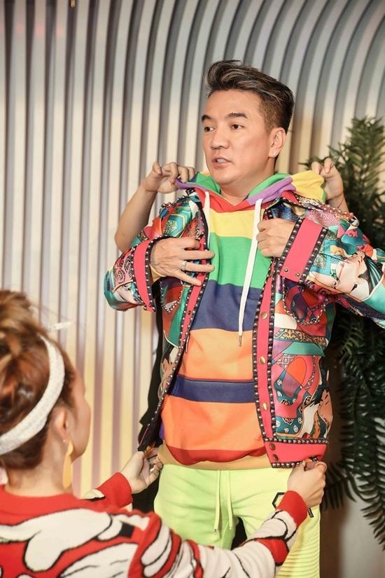Đàm Vĩnh Hưng mặc style Fuho hát trong tiệc bà Phương Hằng-8