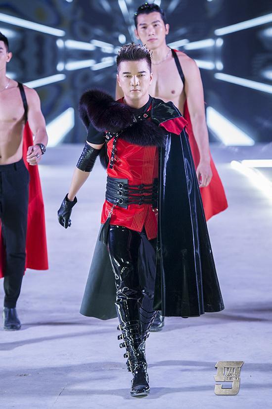 Đàm Vĩnh Hưng mặc style Fuho hát trong tiệc bà Phương Hằng-10