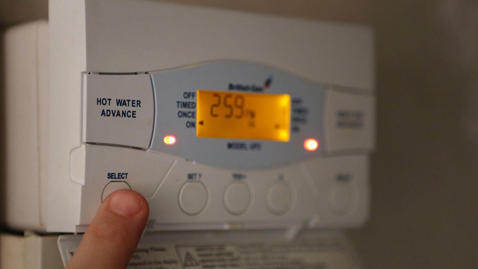 Giá khí đốt tăng vọt buộc một số nhà cung cấp năng lượng ở Anh phải ngừng kinh doanh. (Nguồn: Skynews)