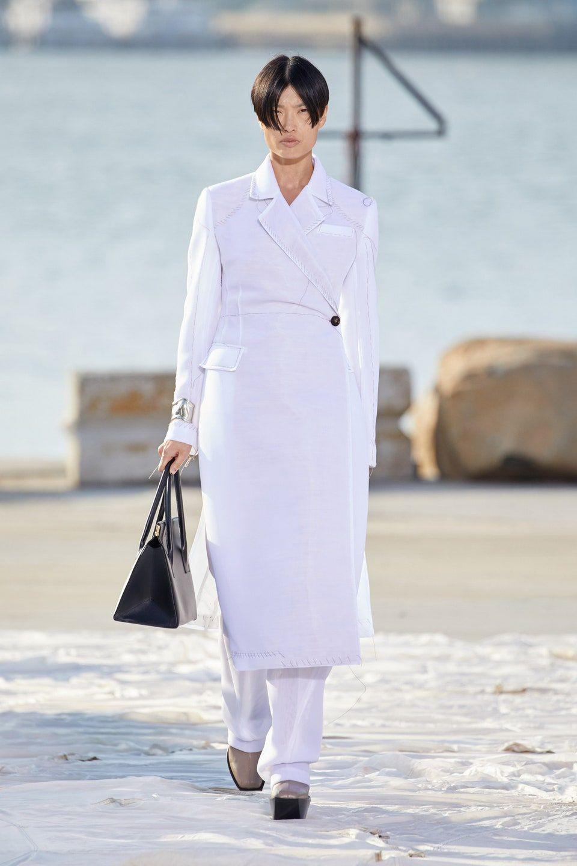 Nhà thiết kế gốc Việt lừng danh thế giới ra mắt thiết kế mới tại Tuần thời trang New York - 3