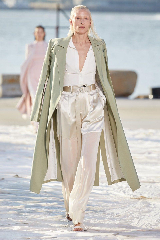 Nhà thiết kế gốc Việt lừng danh thế giới ra mắt thiết kế mới tại Tuần thời trang New York - 5
