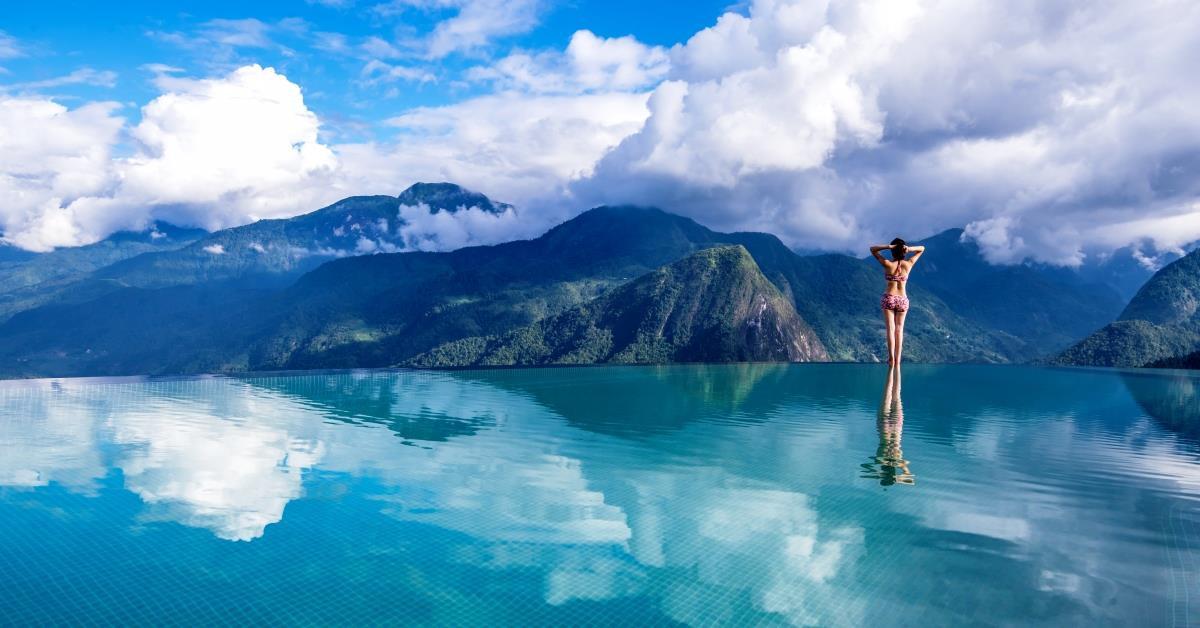 Hồ bơi trên mây ngắm nhìn đỉnh Hoàng Liên Sơn lọt top độc đáo nhất thế giới - 1