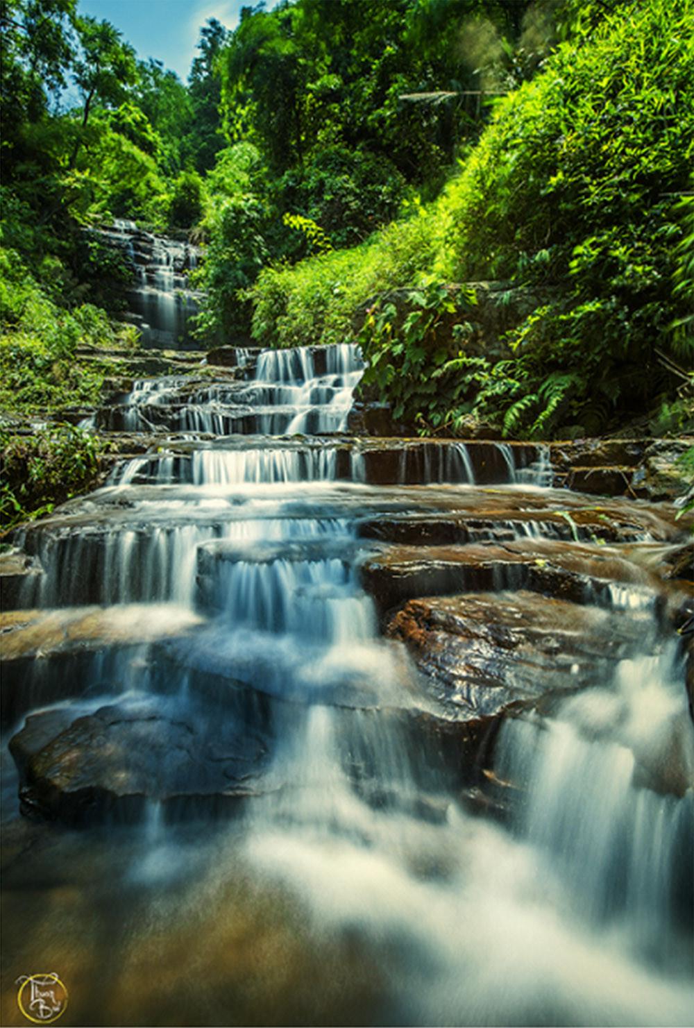 Bí ẩn những dòng thác chảy ra từ