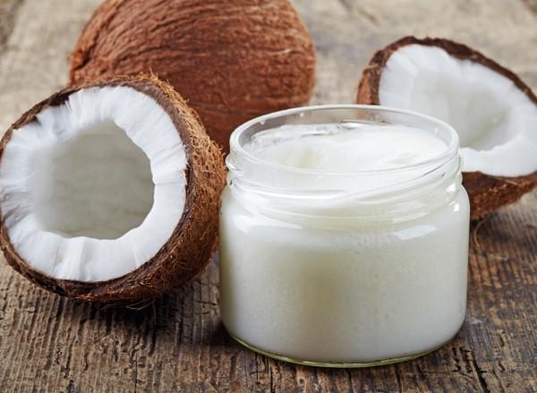Lạm dụng dầu dừa làm đẹp, chị em nên chú ý 5 dấu hiệu nguy hiểm sau  - Ảnh 3.
