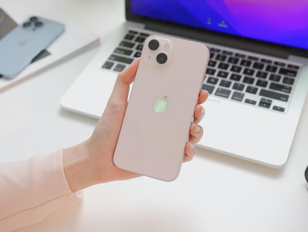 iPhone 13 màu hồng và iPhone 13 Pro Max màu xanh về Việt Nam