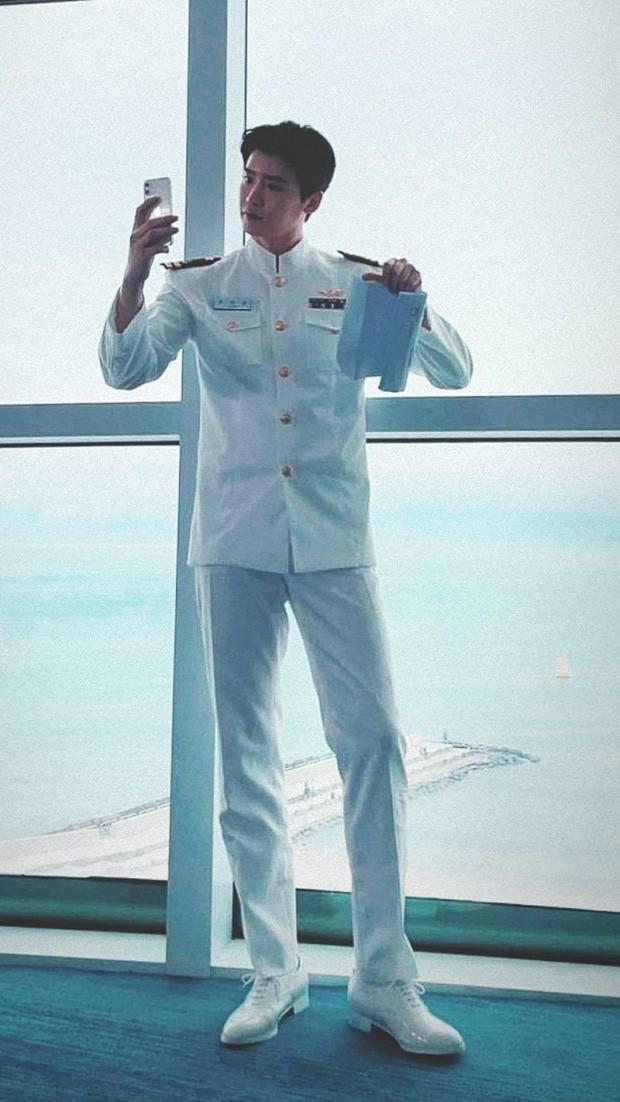 Lee Jong Suk - Cha Eun Woo lần đầu lộ diện chung ở phim mới, nhan sắc một chín một mười
