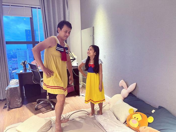 Kim Lý - Cường Đô La: Người kín đáo, người auto thiếu vải trông con-3