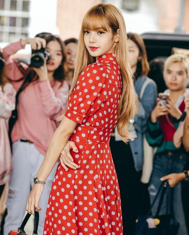 Loạt outfit tham dự Fashion Week của BLACKPINK: Ai ấn tượng nhất?-8
