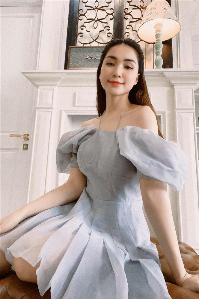 Hòa Minzy công khai ảnh bụng nát tươm sau 2 năm sinh nở-9