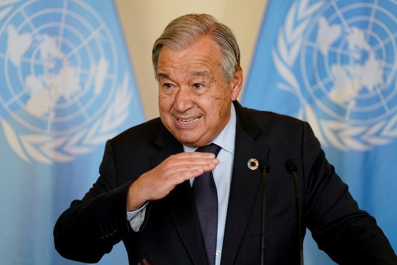 Antonio Guterres, Tổng thư ký Liên hợp quốc, nói chuyện với các phóng viên sau cuộc họp với Thủ tướng Anh Boris Johnson về các cuộc thảo luận về biến đổi khí hậu, ngày 20 tháng 9 năm 2021. John Minchillo / Pool via REUTERS