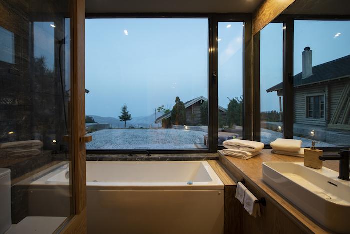 'Mục sở thị' Hyades Mountain Resort, khách sạn trong hang làm từ 1000 mảnh gỗ ở Hy Lạp - 5