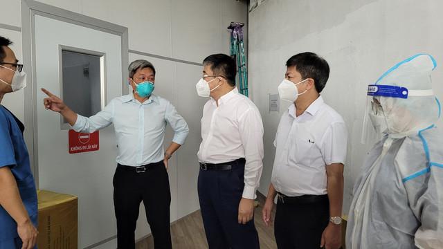 Thứ trưởng Bộ Y tế Nguyễn Trường Sơn: Ngành y vẫn sẽ nặng gánh sau khi TP Hồ Chí Minh hết giãn cách - Ảnh 3.