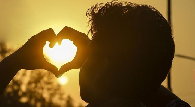 Người đàn ông đã động chân tình với bạn, sẽ không tự chủ được mà nói ra những lời này, nghe qua một câu cũng là tình yêu đích thực-3