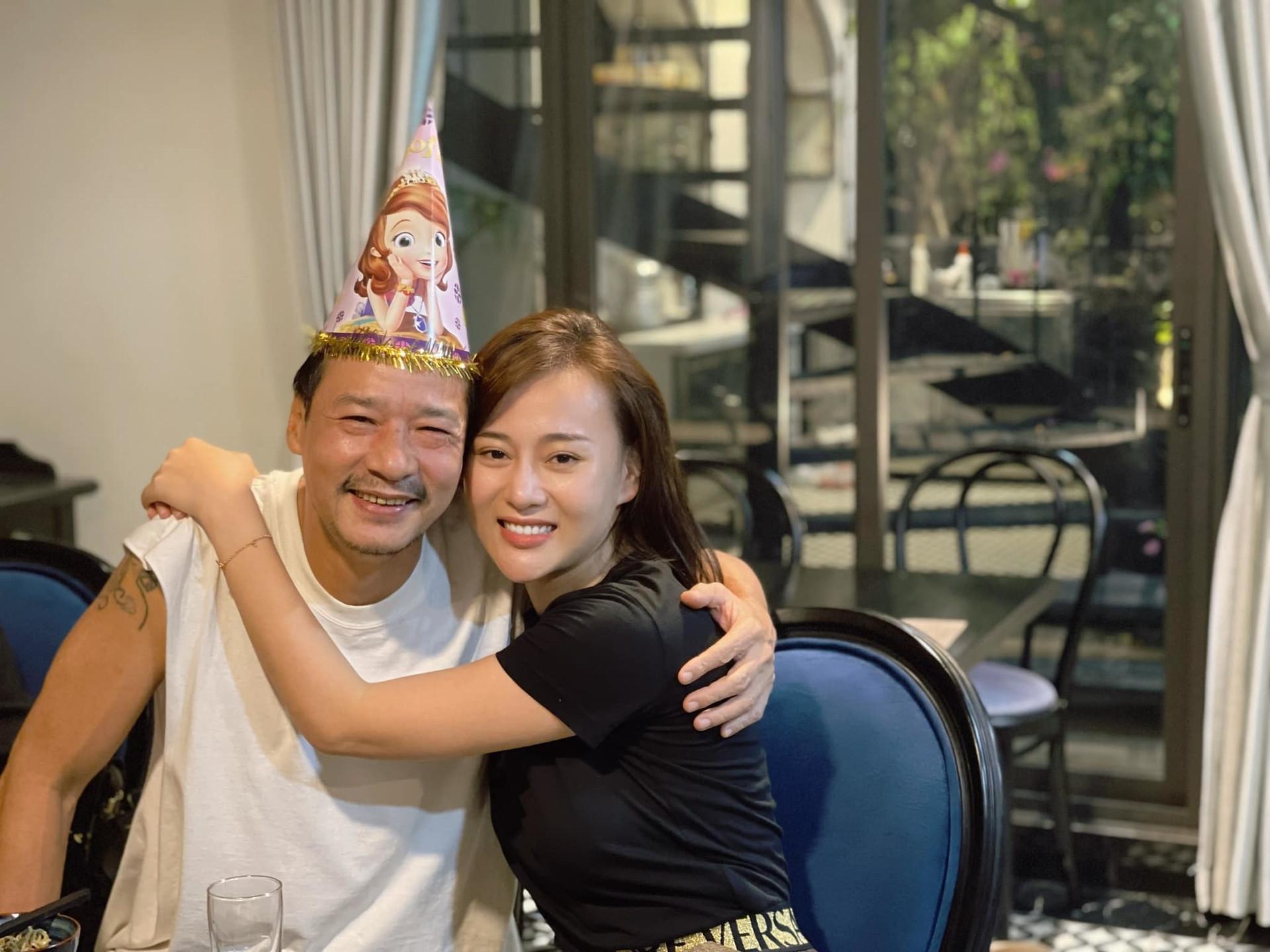 Phương Oanh khóc trước giờ chia tay phim 'Hương vị tình thân'
