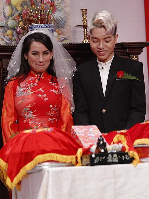 Lần duy nhất Phi Nhung mặc váy cưới, chú rể lại kém 24 tuổi-1