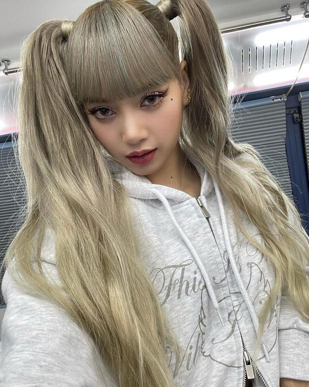 Lisa (BLACKPINK) chỉ thay đổi make up, visual đã làm 7 triệu người điên đảo-1