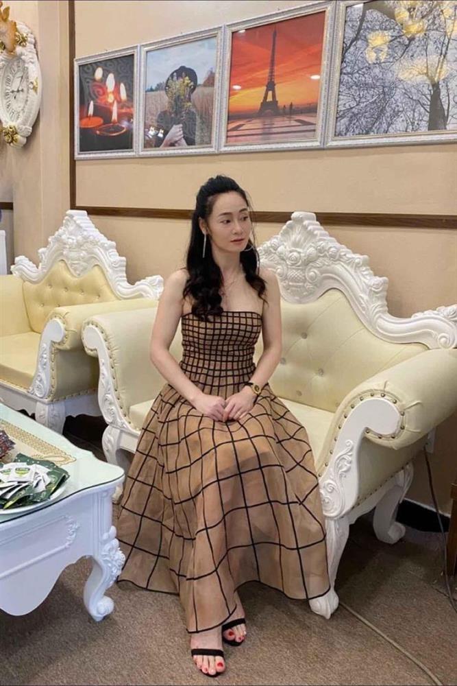 Khi bà Xuân Hương Vị Tình Thân đụng hàng Hồng Diễm-3