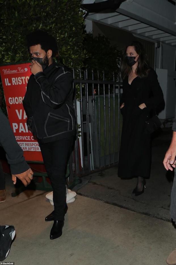Angelina Jolie bị tóm gọn khoảnh khắc hẹn hò The Weeknd-2
