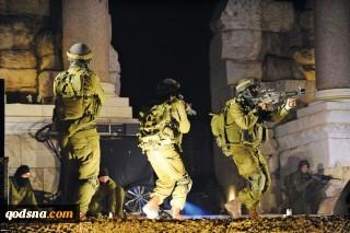 lực lượng chiếm đóng của Israel đã ập vào làng Tayaseer, phía đông Tubas và lục soát một ngôi nhà ở đó