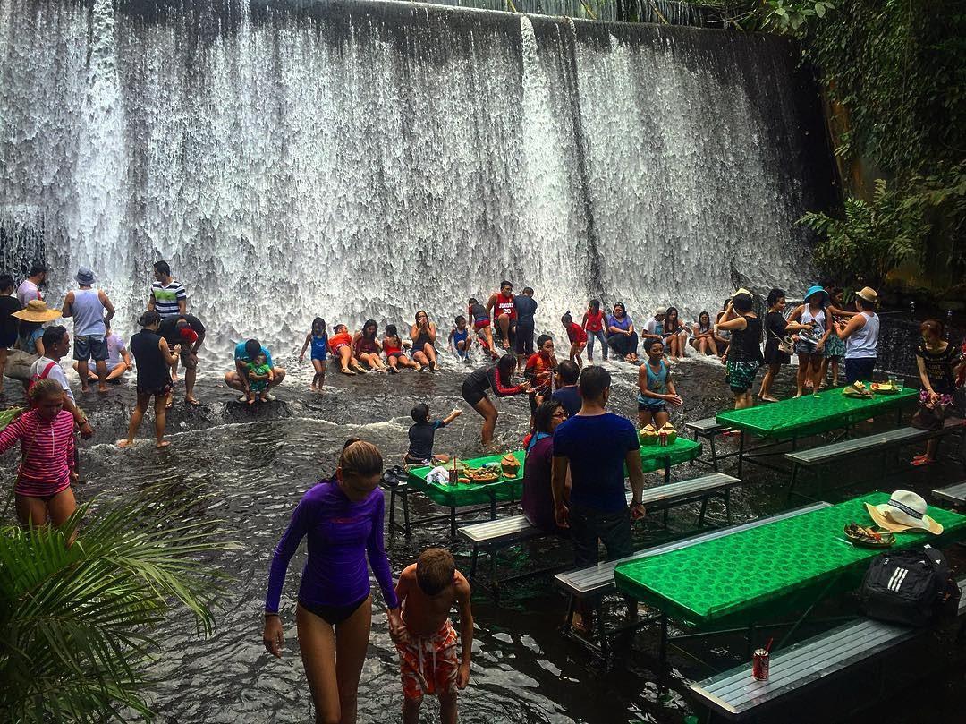 Ăn ngon thêm vạn lần với nhà hàng dưới chân thác độc lạ ở Philippines - 3