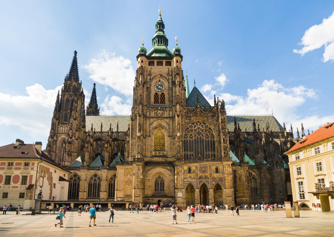 Có gì ở thành phố được bình chọn đẹp nhất thế giới năm 2021? - 1
