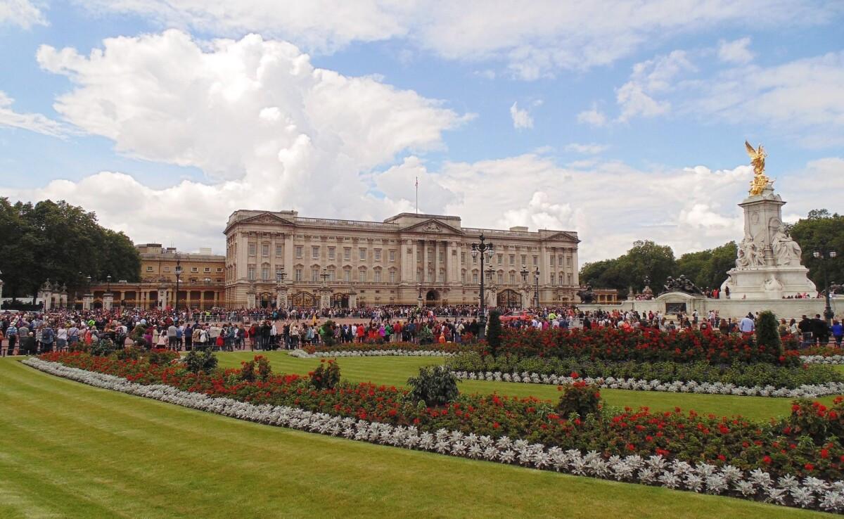 10 cung điện có kiến trúc đẹp nhất thế giới - 9