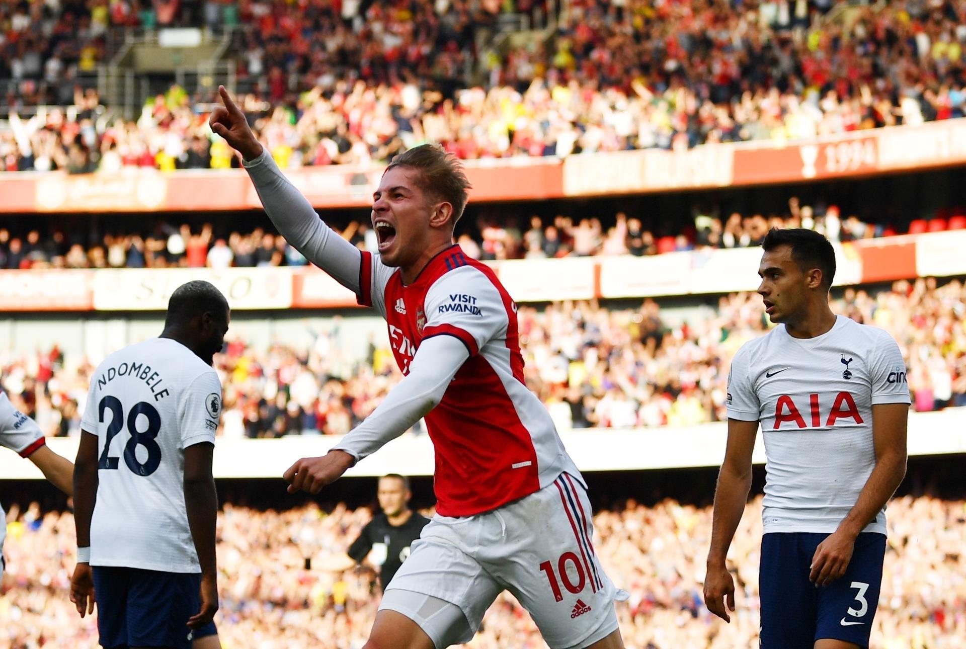 Đè bẹp Tottenham, Arsenal nối dài chuỗi trận thắng  - 1