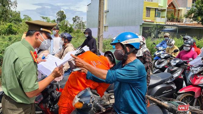 Người dân từ Đà Nẵng về Quảng Nam trong bối cảnh áp dụng giãn cách xã hội