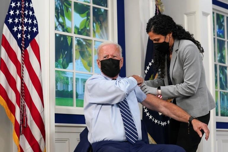 Covid-19 ở Mỹ: Tổng thống Biden tiêm mũi vaccine thứ 3, quan chức Bộ Ngoại giao từng dự Đại hội đồng LHQ nhiễm bệnh. (Nguồn: Reuters)
