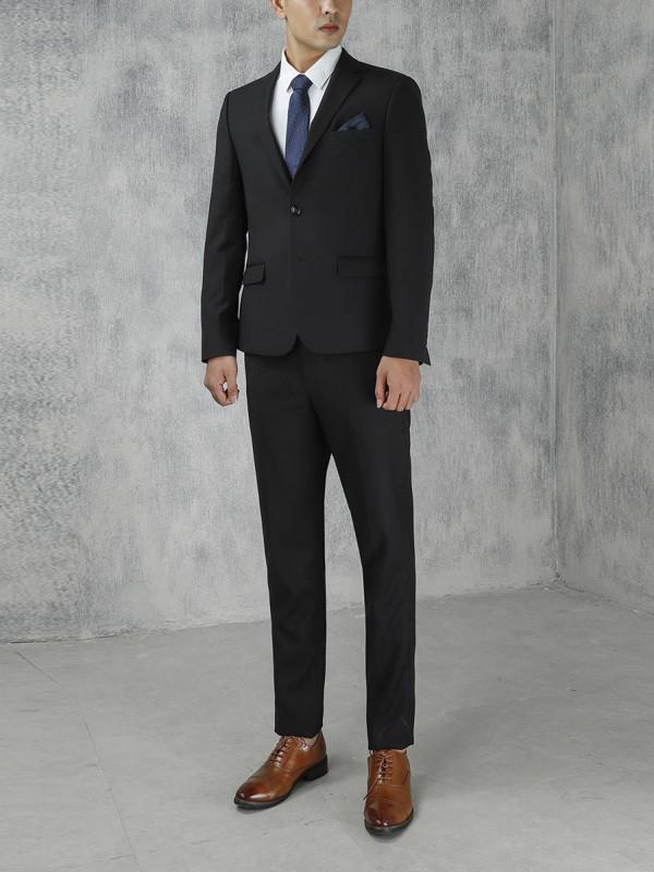 4 quy tắc khi diện suit đen chàng nhất định phải biết - 1