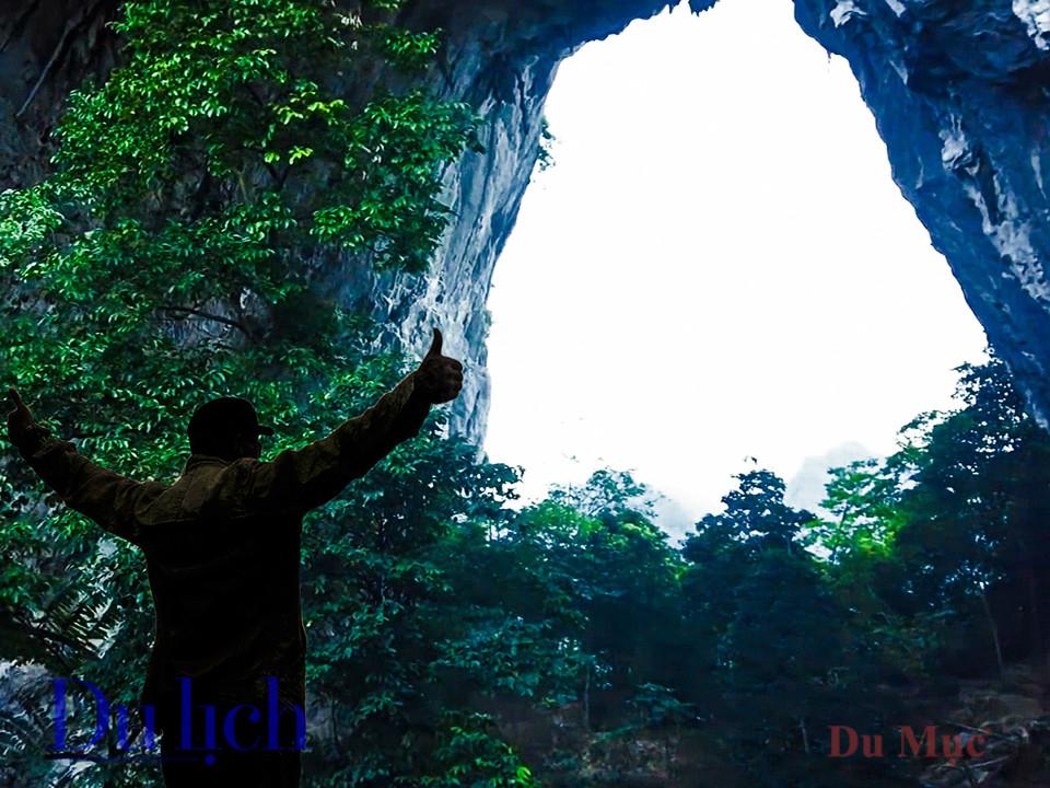 Khám phá hang động bên trong núi Mắt Thần Nà Ma - 14