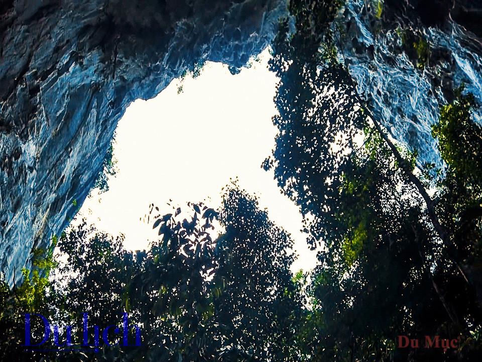 Khám phá hang động bên trong núi Mắt Thần Nà Ma - 18