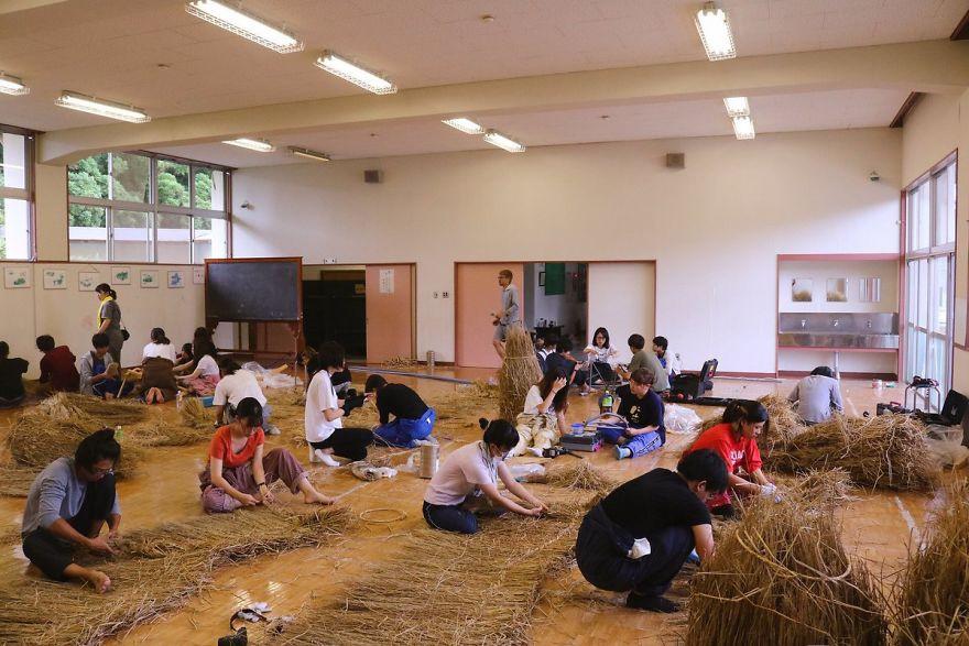 Công trình nghệ thuật từ rơm rạ của người Nhật - 9