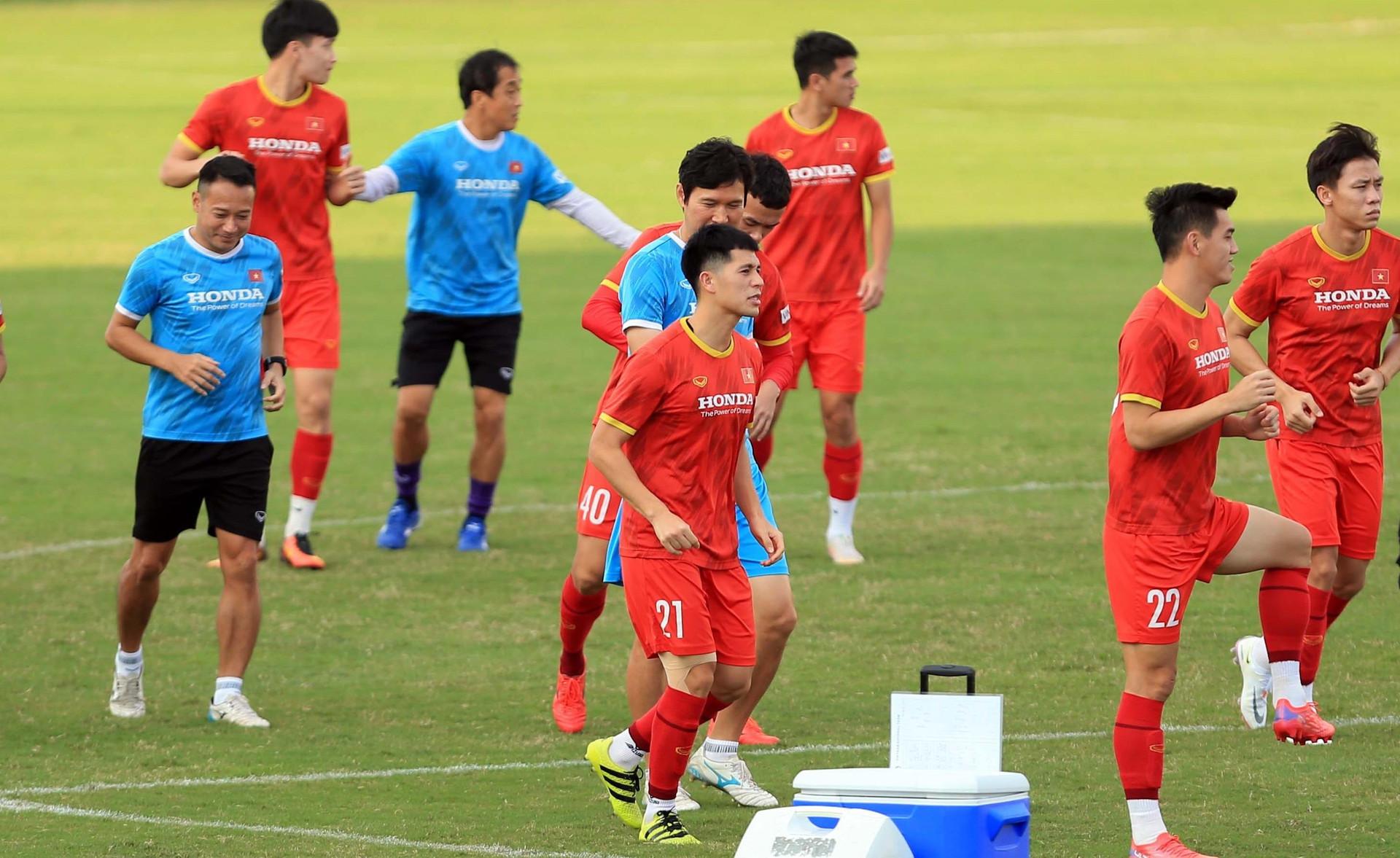 Tuyển Việt Nam đón tin vui trước trận gặp Trung Quốc - 1