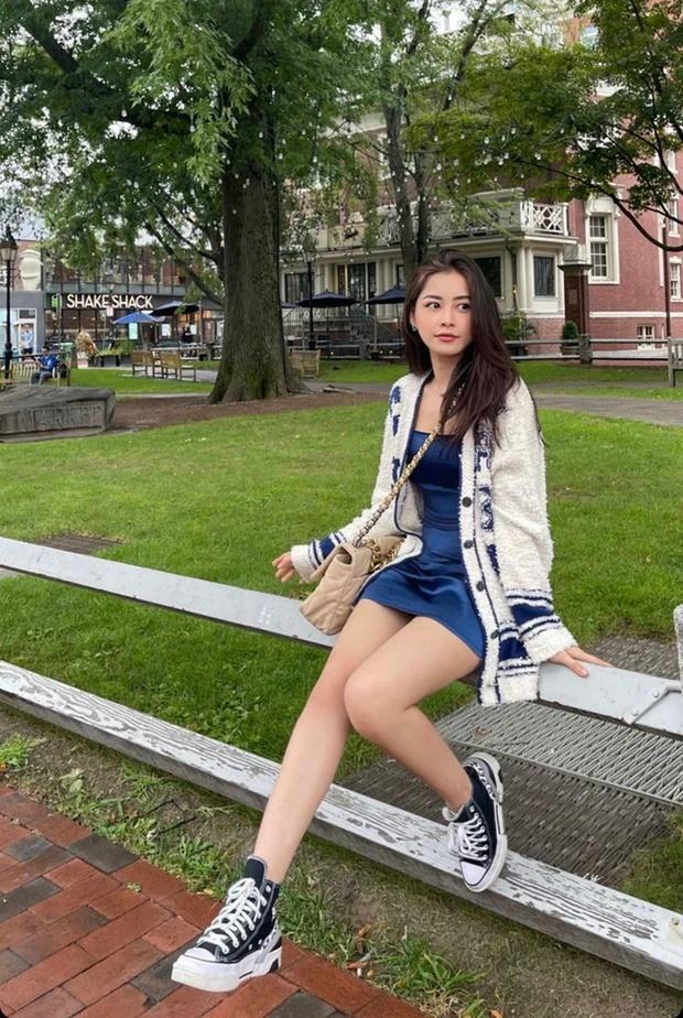 Chi Pu khoe thời trang đỉnh cao ở Mỹ - Miu Lê táo bạo không mặc quần-1