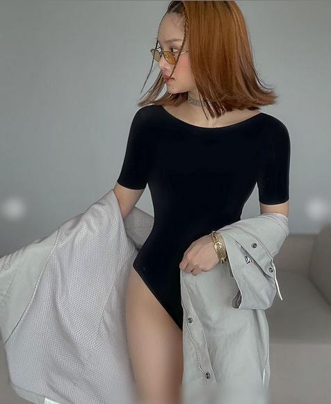 Chi Pu khoe thời trang đỉnh cao ở Mỹ - Miu Lê táo bạo không mặc quần-6