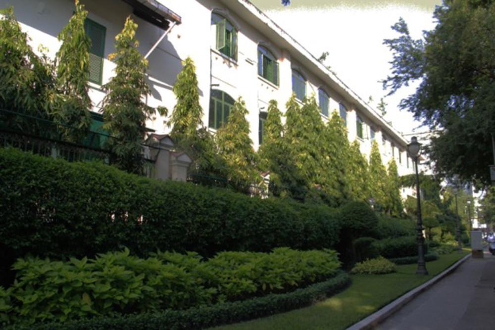Những ngôi trường cổ kính, đẹp mộng mơ tuổi học trò ở TP.HCM - 5