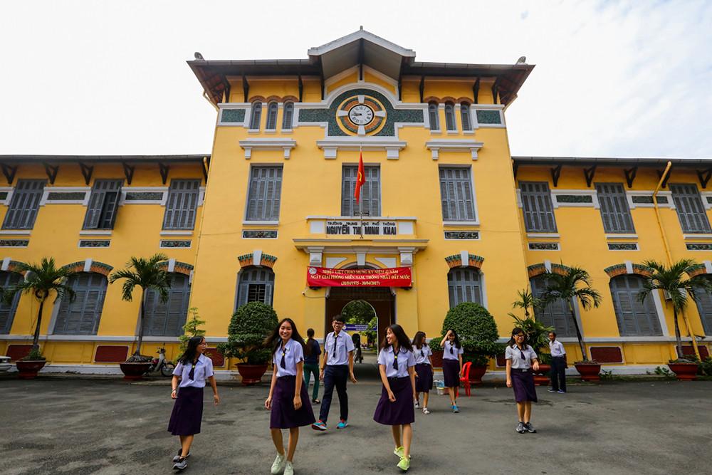 Những ngôi trường cổ kính, đẹp mộng mơ tuổi học trò ở TP.HCM - 9