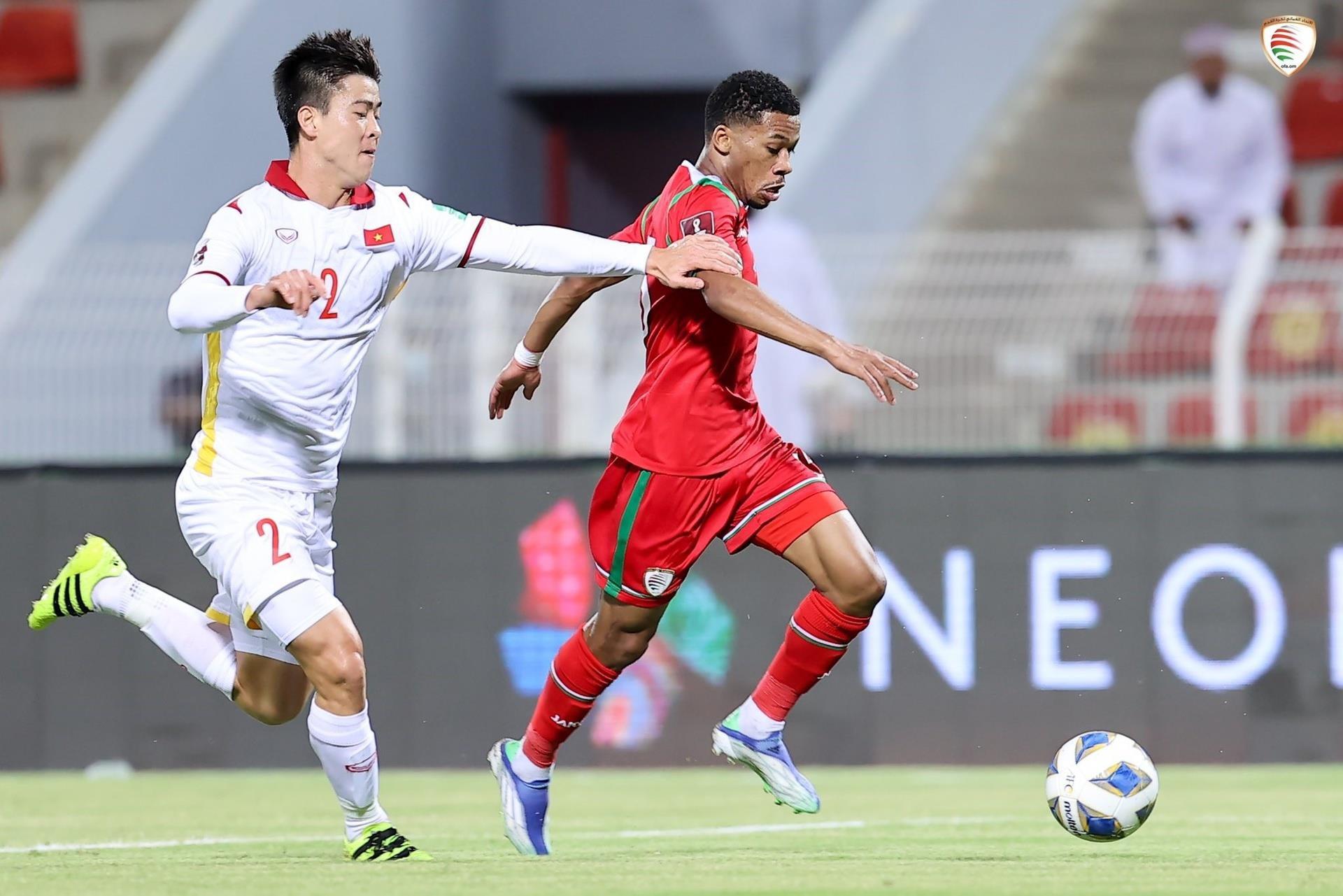 Cầu thủ Việt Nam phạm quá nhiều lỗi với Oman - 2
