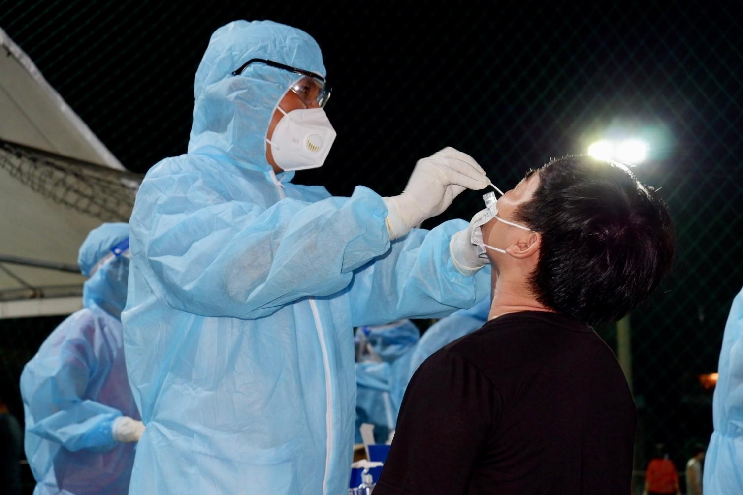 Bộ Y tế: Không chỉ định xét nghiệm đối với việc đi lại của người dân - Ảnh 3.